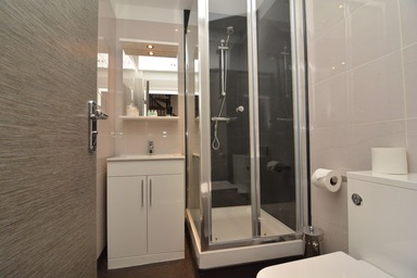 bathroom harrogate lifestyle apartments to rent in Harrogate