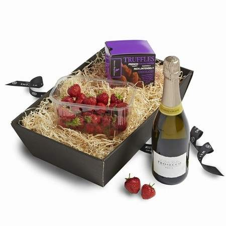 The Romance Hamper of Strawberries, Chocolates and Prosecco